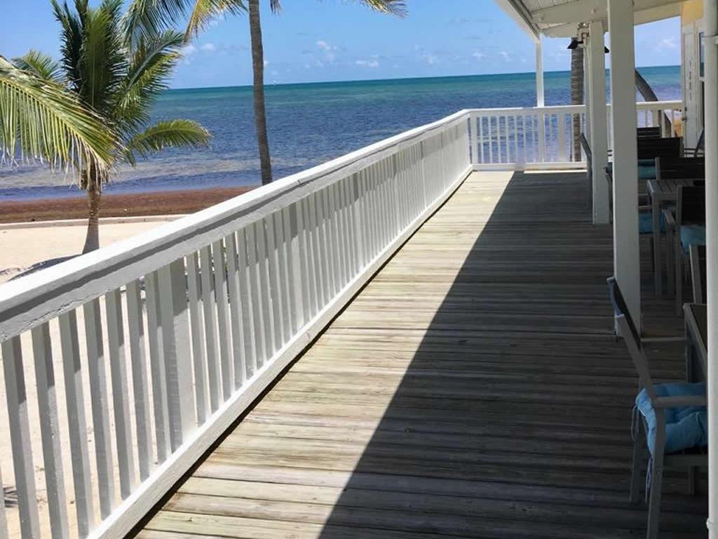 Balcony At Bulding 3 - Upper Matecumbe Resort