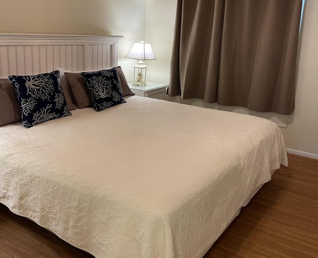 Small One Bedroom Suite - Bedroom